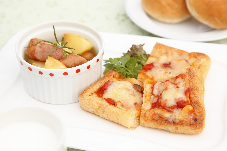 揚げピザ &ローズマリーのジャーマンポテト